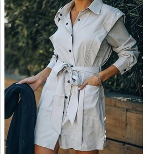 Soft pocketed snap down tie dress